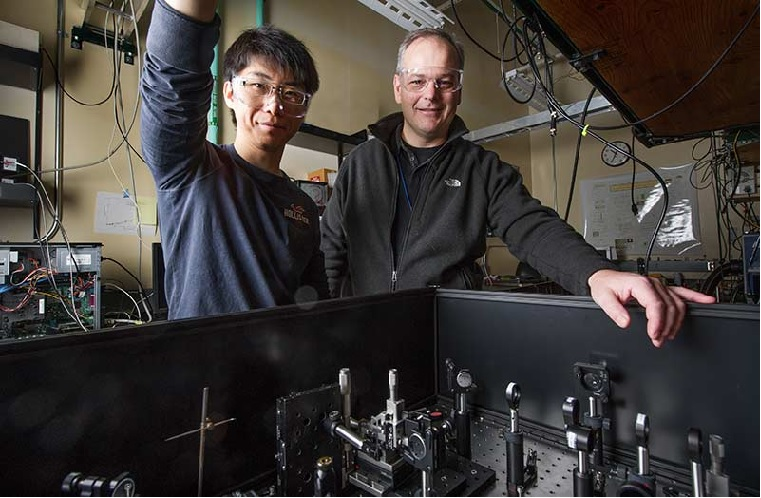 NREL scientists Ye Yang and Matt Beard